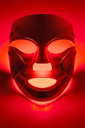 M04 Ily Mag Mask 8104 Red